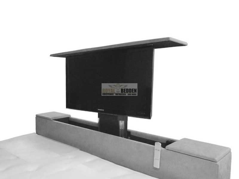 Voetbord met tv lift